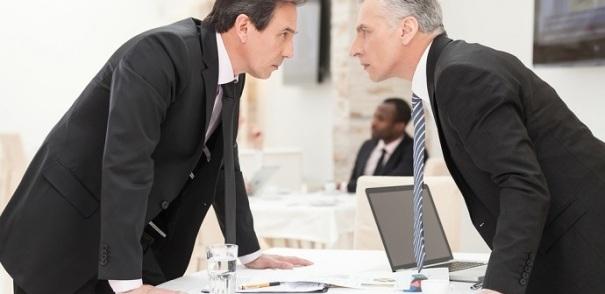 conflitos-organizacionais-prejudiciais-funcionários